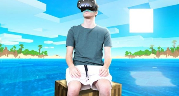 Minecraft VR - YouTuber Apollow spends 24 hours in the Game & describes the effects on his brain